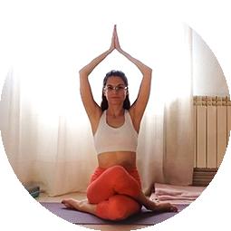 profesora de yoga en yuncos